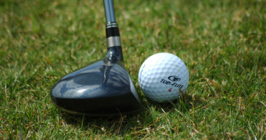 golf-club-and-ball